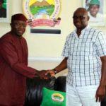 Fayose weeps as he leaves Ekiti Govt House, heads to EFCC Abuja office