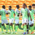 Nigeria vs Uganda: How Super Eagles shared money to fans