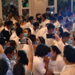 CORONAVIRUS: 220 Filipino Couples Kiss While Wearing Face Mask At A Government Sponsored Mass Wedding