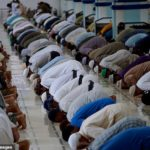 Eid-el-Fitri: Clerics, doctors worry over reopening of congregational prayers
