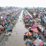 See How People Defied Social Distancing At Oshodi Market Inspite Of Heavy Downpour