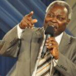 Pastor Kumuyi Tells Christians Not To Attack Buhari, Governors
