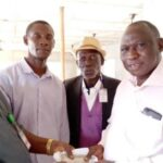 Lagos Airport driver returns passenger's $20,000 (N8.3 million), other valuables (photos)
